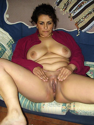 hotties mature women shaved pussy