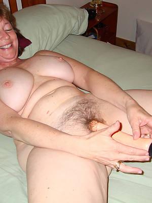 free porn pics of mature masturbate