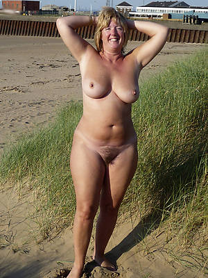 petite naked mature outdoor pussy