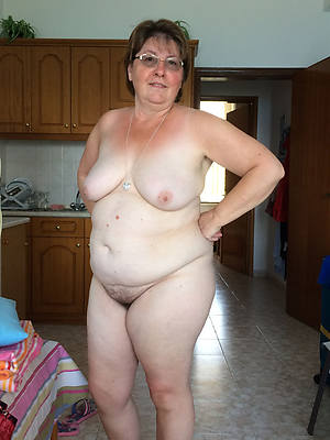 chubby matures porno pictures