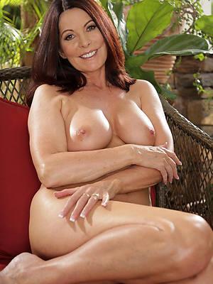 mature porn models barren photos