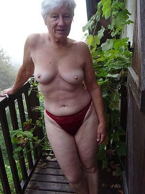 naked pics of mature ladies 60
