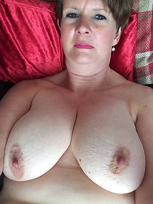 ill-behaved mature sexy selfies by no chance