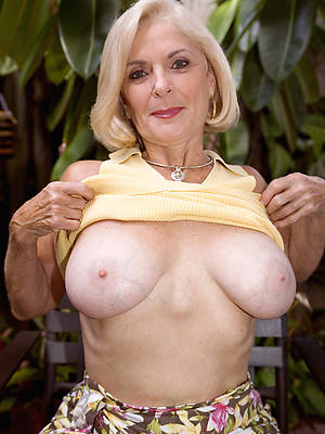 naked pics of mature sexi