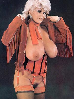naughty vintage mature pussy pics