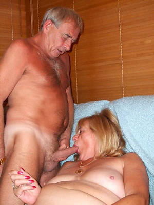 stripped pics for mature sex couples