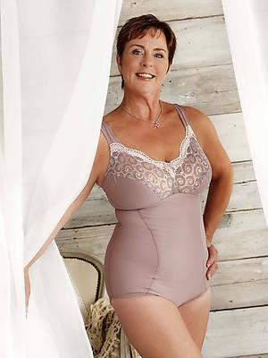 hot mature lingerie model sex pics