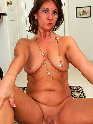 beautiful mature shaved cunt free pics