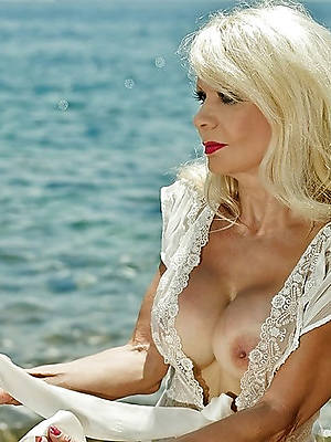free nude beautiful of age women sexual congress pics