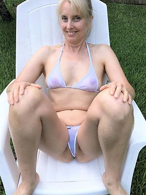 naked pics of mature column bikinis