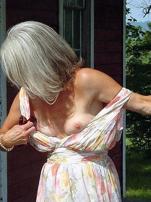 naughty skinny adult small bosom free pics