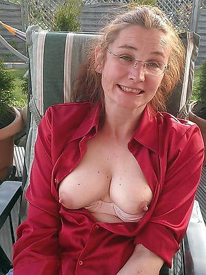 perfect mature tits amateur porn pics