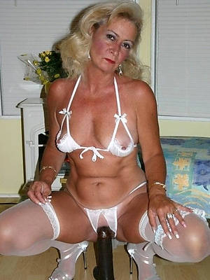 free pics for horny mature lady