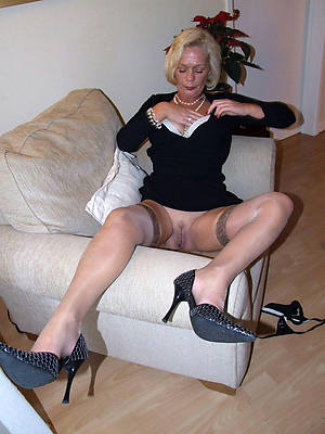 naked pics of single old ladies