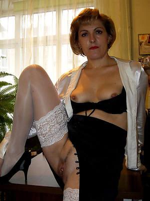 naughty horny revealed mature women pics