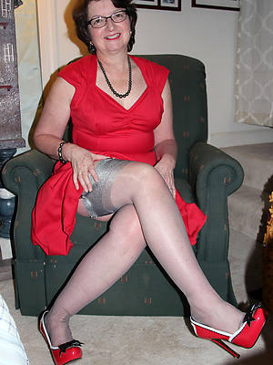 beautiful grown up pussy in nylons