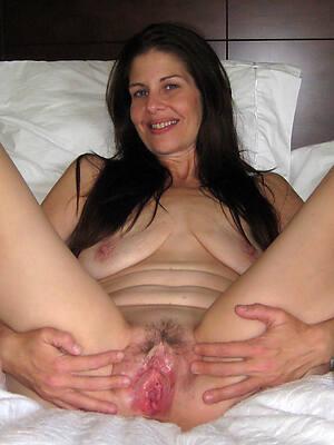 naked petite mature brunette homemade pics