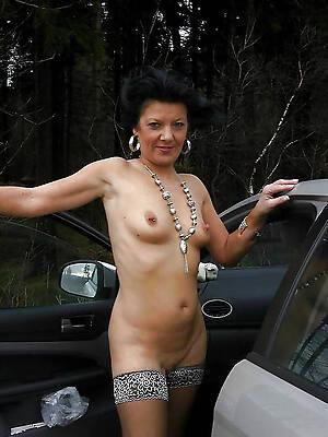 amateur sexy brunette grown-up porn
