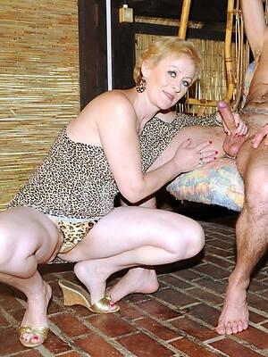 amateur easy mature couples nude pics
