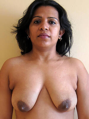 indian mature nude pictures