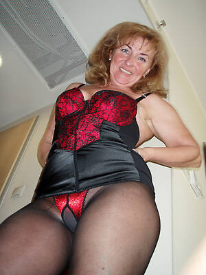 free pics of hot old women in pantyhose