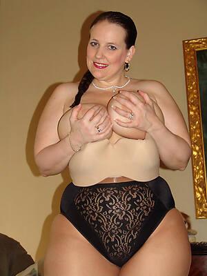 petite mature women sexy pics