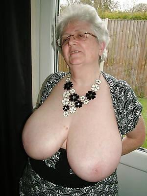 amateur beautiful nude mature grandma pics