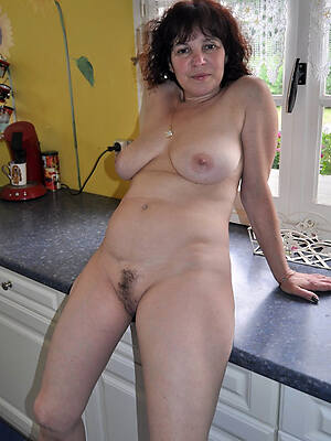 mature blonde housewife see porn pics