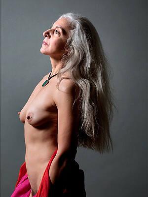 lay bare pics of hot sexy mature women 50 plus