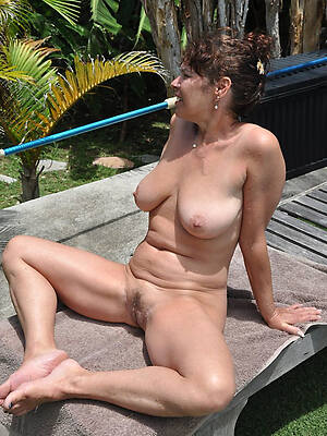 nude mature russian women