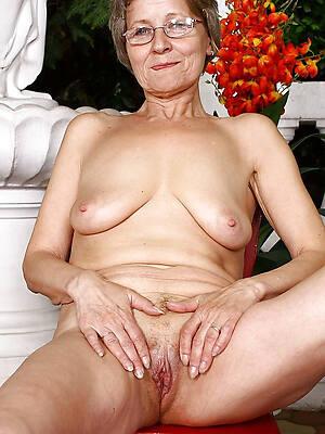 mature older moms making love pics