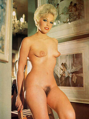 hairy mature vintage displaying her pussy