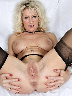 naked pics of sexy old blonde women