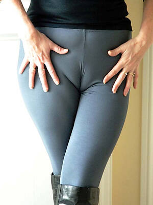 real pics of sexy mature cameltoe pussy