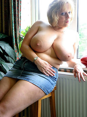 beautiful mature column in jeans hot amateur pictures