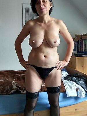 free mature showing panties porn pics