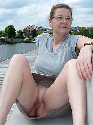 mature public upskirts see porn pics