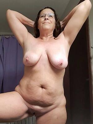 horny mature chubby moms pics