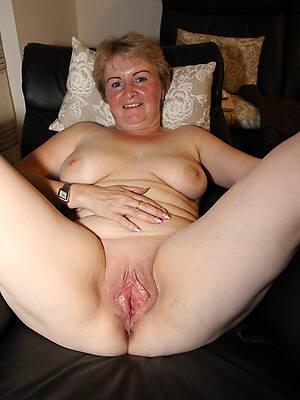 horny mature cougars pics
