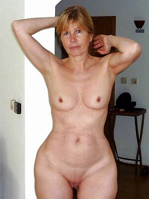 nude mature russian women see porn pics