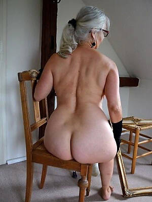 busty erotic mature nudes picture