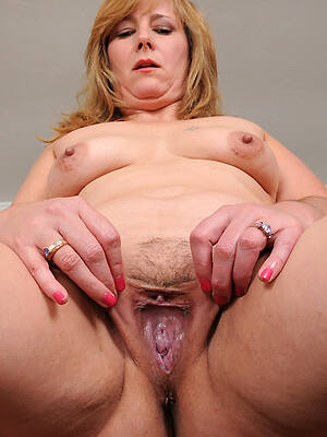 free pics of sexy close up mature pussy