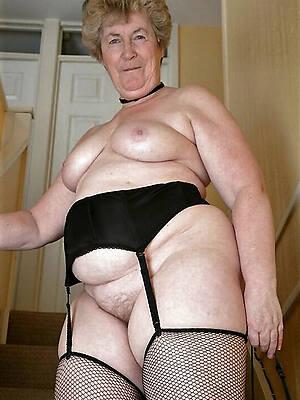 unconforming pics be incumbent on nude amateur granny