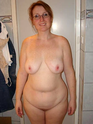 hot mature mom pictures