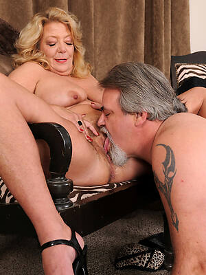 amateur eat matured pussy sex pics
