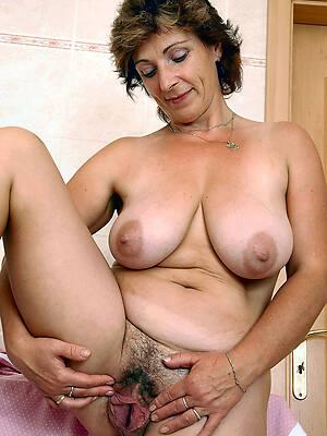 public hot mature vagina pictures
