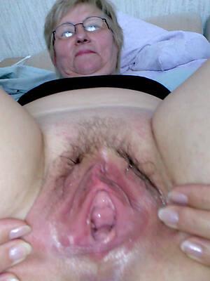 older hairy vaginas mating pics