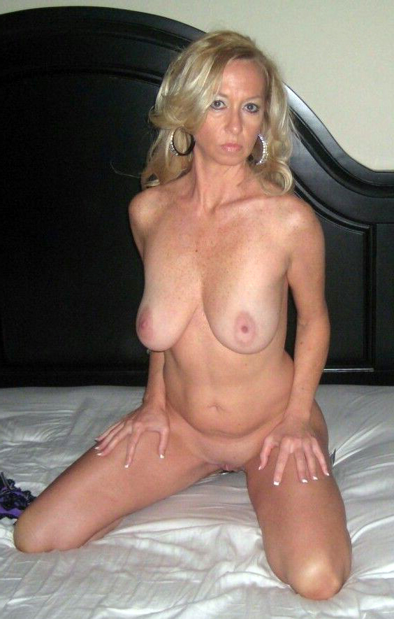 Mature naked amateur Nude Mature