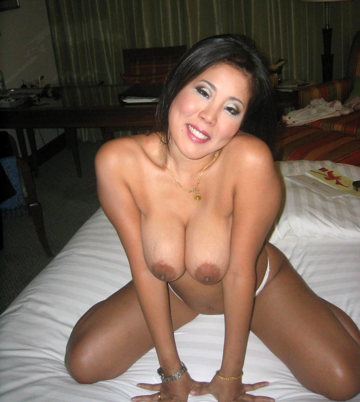 slut strips and wants to fuck porn