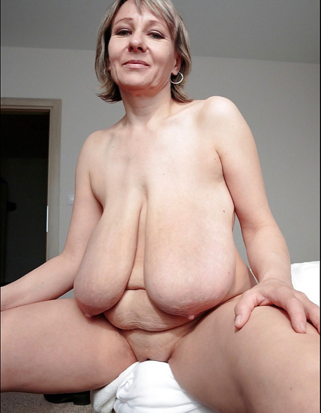 Huge Tits Milf Hairy Pussy
